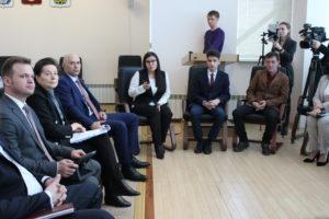 Губернатор Югры Наталья Комарова ознакомилась с проектами инициативной молодежи Радужного
